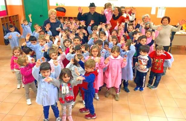 Don-Giovanni-Salvia-alla-Scuola-dellInfanzia-di-Francavilla-di-Sicilia