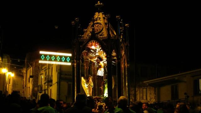 LA CONTROVERSIA DEL CRISTO IN CROCE DOPO LA RESURREZIONE | la Repubblica.it